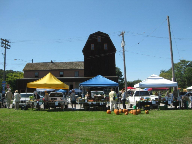 Marketplace Landscape - It is day number (11) so enjoy this Farmers Market image; tomorrow, a different image.