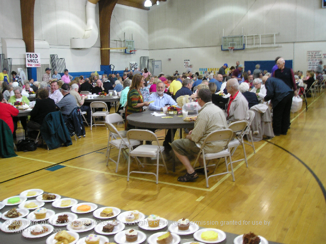 Image - Photo of the general crowd at the Annual Notre Dame Sisters Pork Dinner